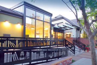 claremont_library_055